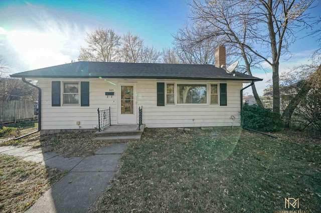 805 Jefferson Avenue, Dorchester, NE 68343 (MLS #22026474) :: Capital City Realty Group