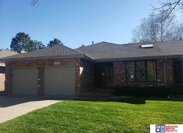 2228 Heritage Pines Court, Lincoln, NE 68506 (MLS #22026900) :: One80 Group/Berkshire Hathaway HomeServices Ambassador Real Estate