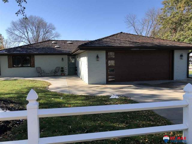 1601 Surfside Drive, Lincoln, NE 68528 (MLS #22026923) :: Dodge County Realty Group