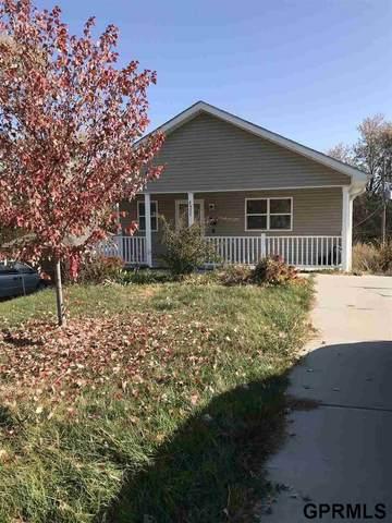 4527 N 37 Street, Omaha, NE 68111 (MLS #22027127) :: Catalyst Real Estate Group