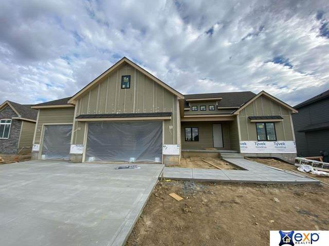 7209 N Kilpatrick Parkway, Bennington, NE 68007 (MLS #22027884) :: Complete Real Estate Group
