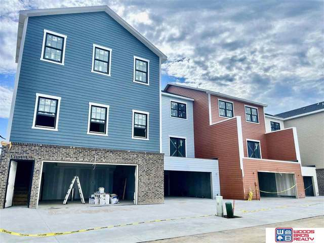 7211 Kentwell Lane, Lincoln, NE 68516 (MLS #22028664) :: Lincoln Select Real Estate Group