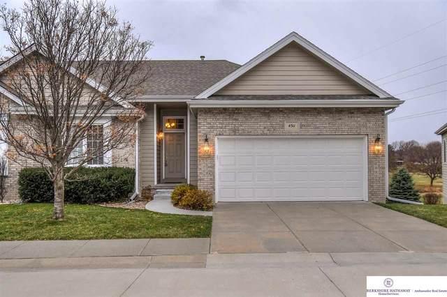4311 S 63 Street, Lincoln, NE 68516 (MLS #22028809) :: One80 Group/Berkshire Hathaway HomeServices Ambassador Real Estate