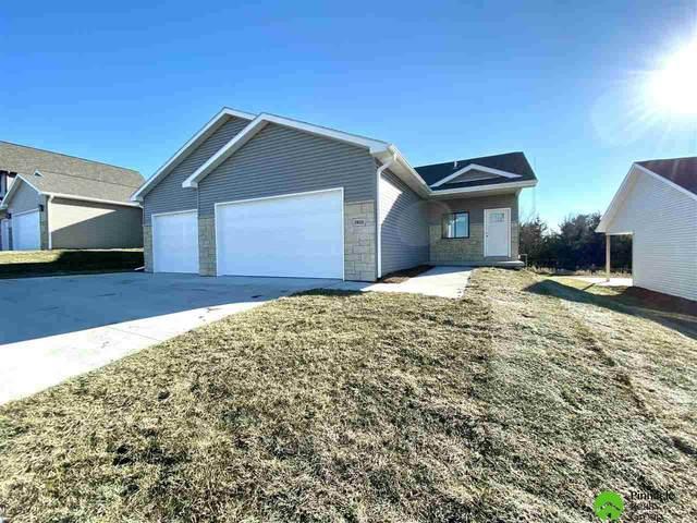 7833 Renatta Drive, Lincoln, NE 68516 (MLS #22028912) :: Dodge County Realty Group