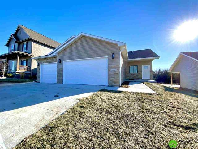 7901 Renatta Drive, Lincoln, NE 68516 (MLS #22028914) :: Stuart & Associates Real Estate Group