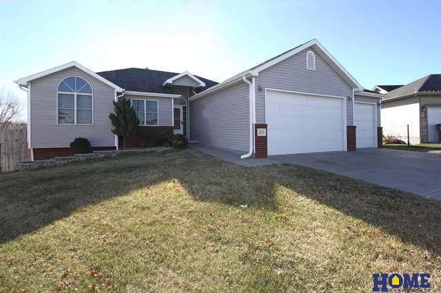 3701 W Karwat Lane, Lincoln, NE 68522 (MLS #22029220) :: The Homefront Team at Nebraska Realty