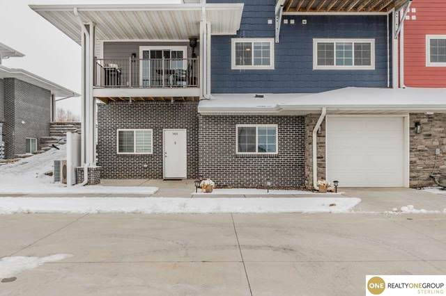 5928 N 158th Plaza, Omaha, NE 68116 (MLS #22030102) :: Stuart & Associates Real Estate Group