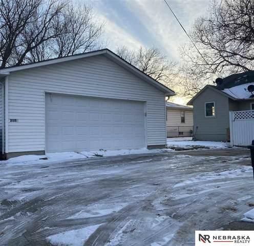 2511 S 42nd Street, Omaha, NE 68105 (MLS #22030299) :: Cindy Andrew Group