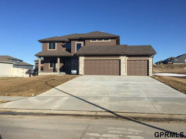 5012 Waterford Avenue, Papillion, NE 68133 (MLS #22030919) :: The Briley Team