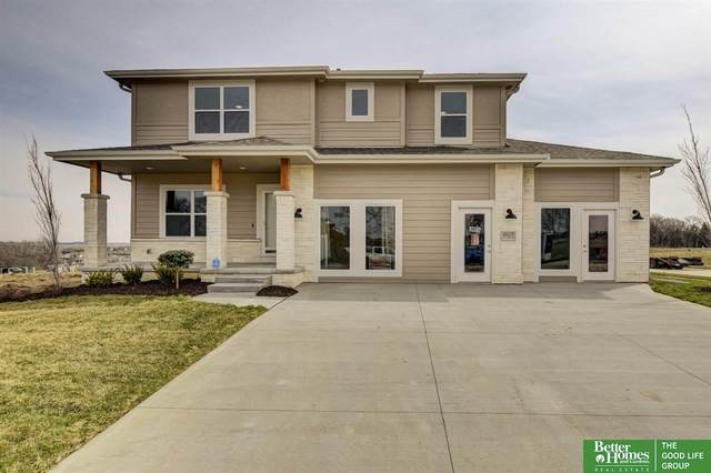 8605 N 177th Street, Bennington, NE 68007 (MLS #22031116) :: The Briley Team