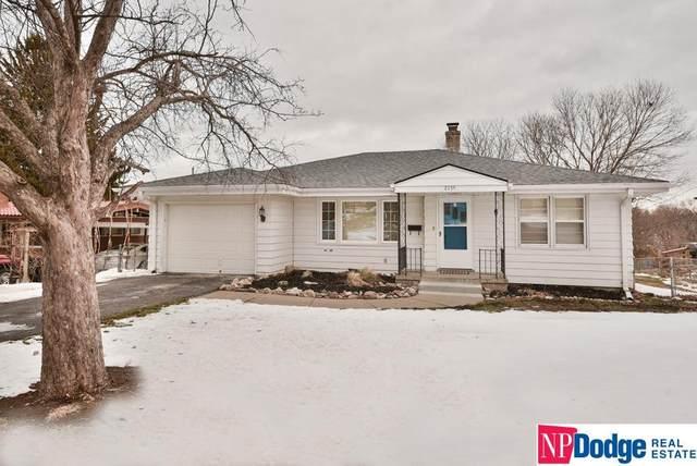 2135 S 38 Street, Omaha, NE 68105 (MLS #22031209) :: Omaha Real Estate Group