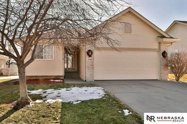 2501 Aberdeen Drive, Papillion, NE 68133 (MLS #22100872) :: Omaha Real Estate Group