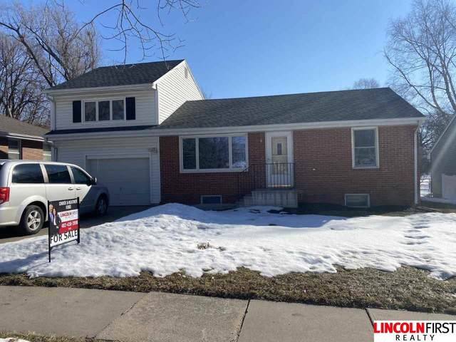 2134 S 59Th Street, Lincoln, NE 68506 (MLS #22103002) :: The Homefront Team at Nebraska Realty