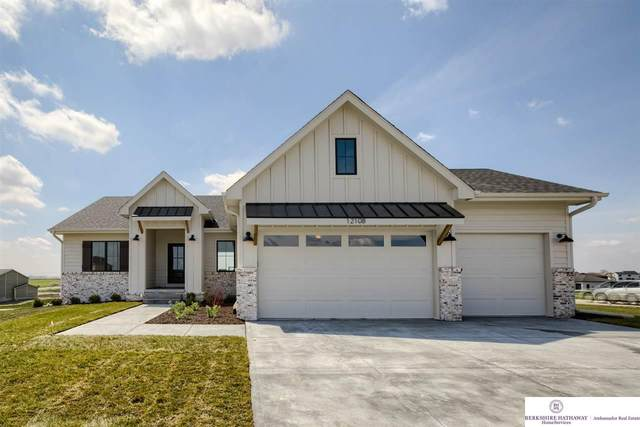 12108 S 207 Street, Gretna, NE 68028 (MLS #22104053) :: The Briley Team