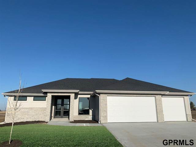 4811 N 192 Avenue, Elkhorn, NE 68022 (MLS #22104117) :: Complete Real Estate Group