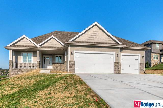 7810 N 167 Street, Bennington, NE 68007 (MLS #22104936) :: The Briley Team