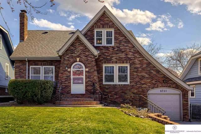 5711 Pacific Street, Omaha, NE 68106 (MLS #22105835) :: Berkshire Hathaway Ambassador Real Estate