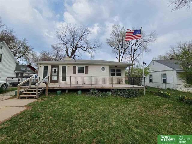 2107 Warren Street, Bellevue, NE 68005 (MLS #22106298) :: Berkshire Hathaway Ambassador Real Estate