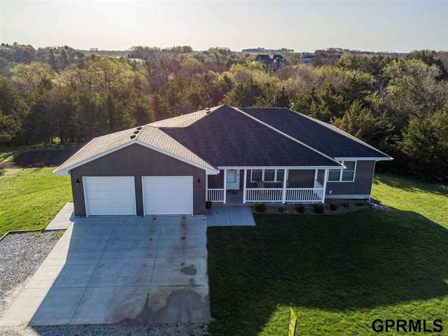 2105 Myhill Lane, Crete, NE 68333 (MLS #22106306) :: Dodge County Realty Group
