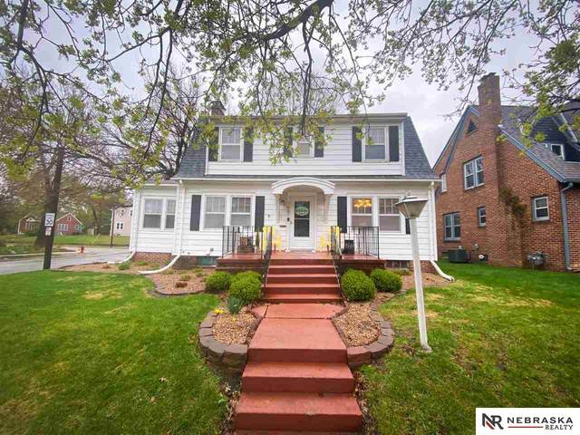 1687 Woodsview Street, Lincoln, NE 68502 (MLS #22106490) :: Lincoln Select Real Estate Group