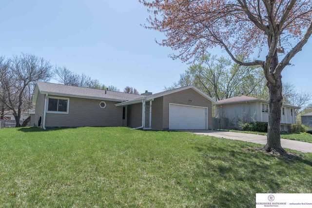 14181 Grant Street, Omaha, NE 68164 (MLS #22106635) :: Berkshire Hathaway Ambassador Real Estate