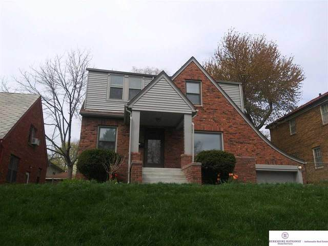 4206 Walnut Street, Omaha, NE 68105 (MLS #22106777) :: The Homefront Team at Nebraska Realty