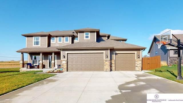 8136 S 194 Street, Gretna, NE 68028 (MLS #22106845) :: Berkshire Hathaway Ambassador Real Estate