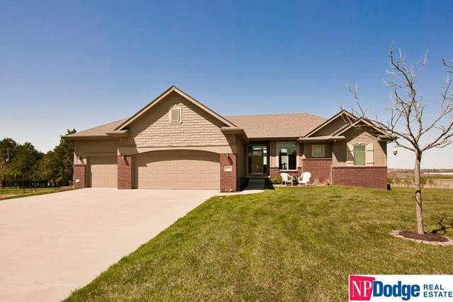 12602 S 68 Avenue, Omaha, NE 68133 (MLS #22107180) :: The Homefront Team at Nebraska Realty