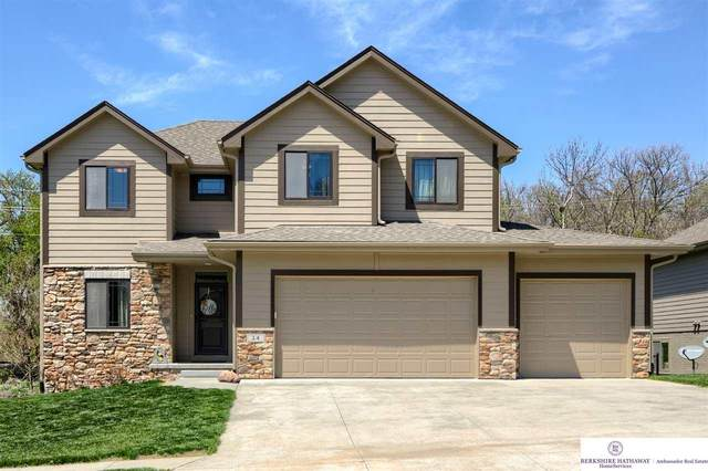 24 Kingsridge Drive, Council Bluffs, IA 51503 (MLS #22108403) :: The Briley Team