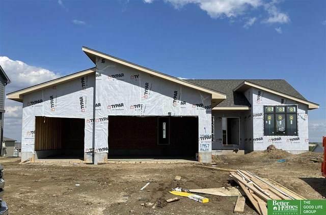 11957 S 113th Avenue, Papillion, NE 68046 (MLS #22109122) :: Dodge County Realty Group