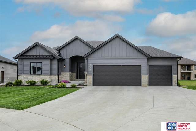 8821 Pebble Creek Court, Lincoln, NE 68526 (MLS #22109139) :: kwELITE
