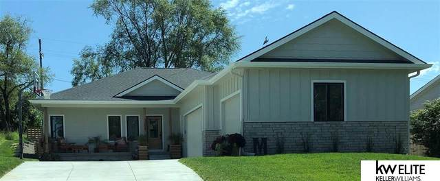 8004 N 167th Street, Bennington, NE 68007 (MLS #22109280) :: kwELITE
