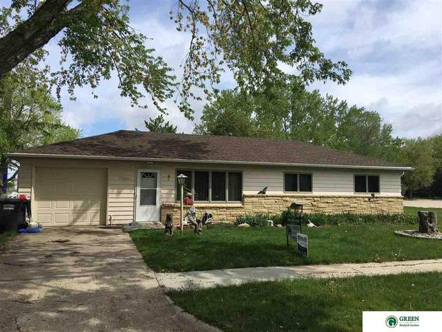 1103 E 14th Street, York, NE 68467 (MLS #22109512) :: The Briley Team