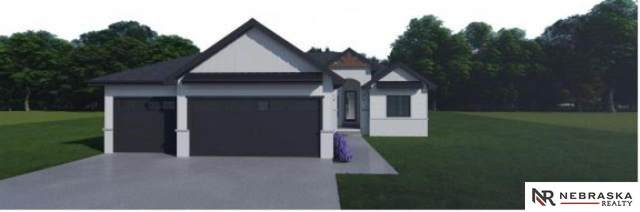 16863 Crown Pont Avenue, Omaha, NE 68116 (MLS #22109957) :: Capital City Realty Group
