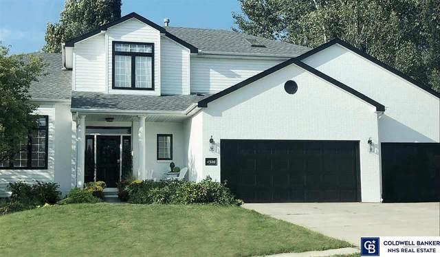 4320 Red Deer Drive, Lincoln, NE 68516 (MLS #22110345) :: The Briley Team