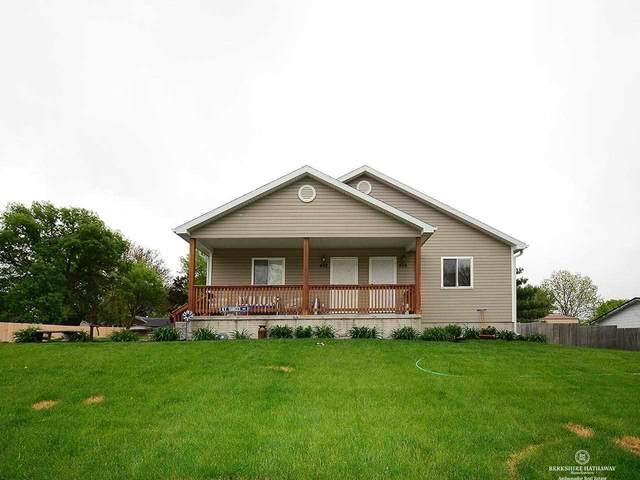 426 Chestnut Street, Hickman, NE 68372 (MLS #22110380) :: Lincoln Select Real Estate Group
