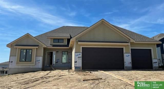 18315 George Miller Parkway, Elkhorn, NE 68022 (MLS #22111234) :: kwELITE