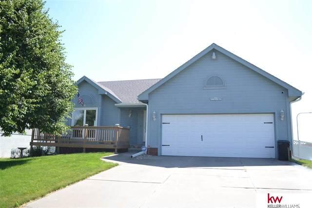 605 Diamond Lane, Papillion, NE 68133 (MLS #22111992) :: Berkshire Hathaway Ambassador Real Estate