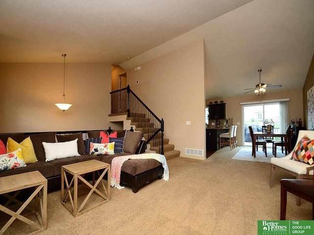 4609 N 166th Street, Omaha, NE 68116 (MLS #22112392) :: kwELITE