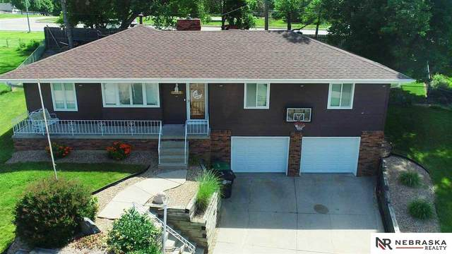 13205 Martha Circle, Omaha, NE 68144 (MLS #22112923) :: Berkshire Hathaway Ambassador Real Estate