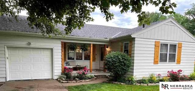 6506 Western Avenue, Omaha, NE 68132 (MLS #22113043) :: Berkshire Hathaway Ambassador Real Estate