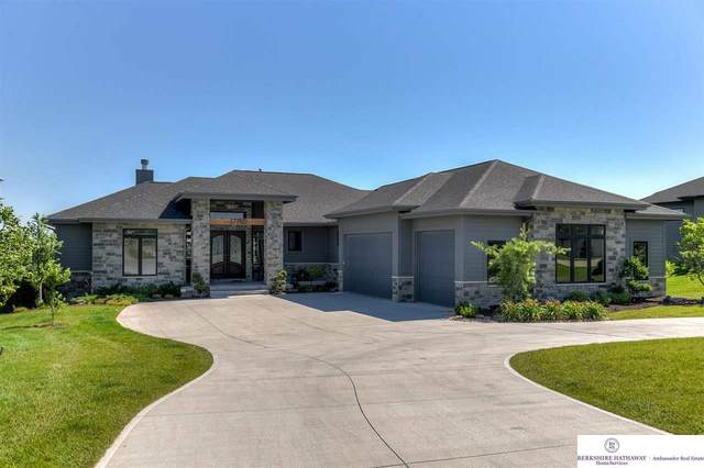 17750 Island Circle, Bennington, NE 68007 (MLS #22113068) :: Lincoln Select Real Estate Group