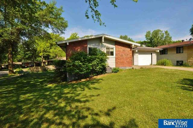 1001 Carlos Drive, Lincoln, NE 68505 (MLS #22113385) :: Catalyst Real Estate Group