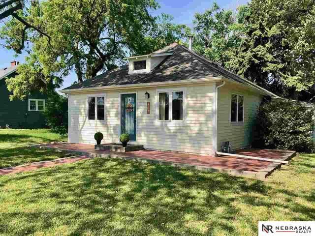317 S Bryan Street, Gretna, NE 68028 (MLS #22113503) :: Omaha Real Estate Group