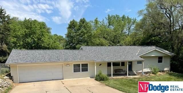7812 Howard Street, Omaha, NE 68114 (MLS #22113716) :: Omaha Real Estate Group