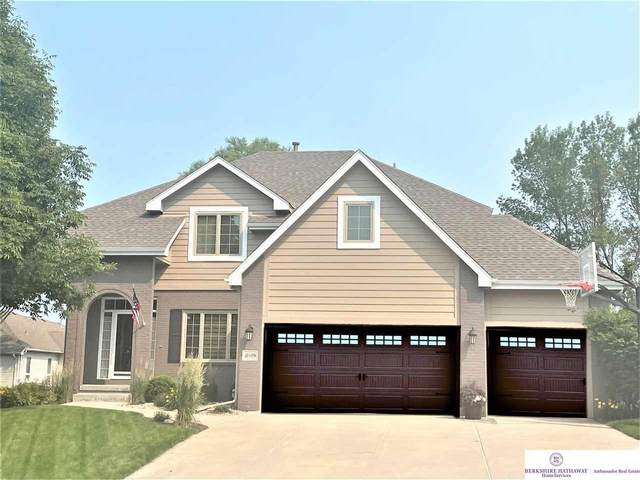 10509 S 176 Street, Omaha, NE 68136 (MLS #22113724) :: Omaha Real Estate Group