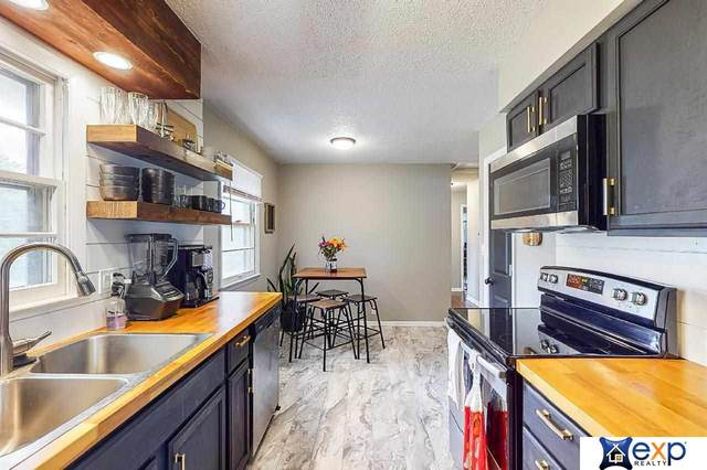 5016 N 61st Street, Omaha, NE 68104 (MLS #22113819) :: Dodge County Realty Group