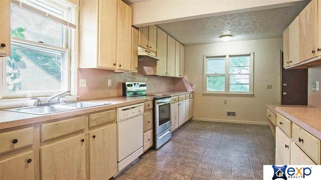 3175 Curtis Avenue, Omaha, NE 68111 (MLS #22114553) :: Elevation Real Estate Group at NP Dodge