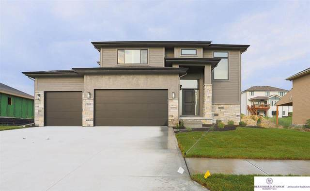 17014 Sarah Street, Bennington, NE 68007 (MLS #22114844) :: Lincoln Select Real Estate Group