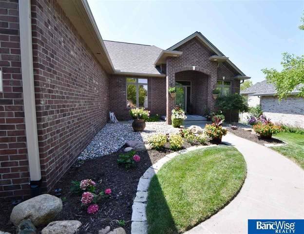 2017 Wilderness Ridge Drive, Lincoln, NE 68512 (MLS #22115762) :: Capital City Realty Group